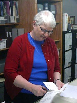 Librarian Miriam Homer